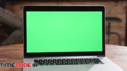 دانلود استوک فوتیج : پرده سبز لپ تاپ Silver Laptop
