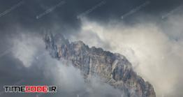 دانلود عکس استوک : حرکت ابر در قله کوه Mountain Peaks In Clouds