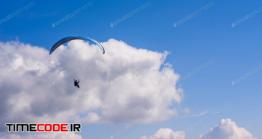 دانلود عکس استوک : چتر باز در آسمان Skydiver In The Clear Sky