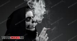 """دانلود عکس استوک : مرگ و سیگار The Concept """"Smoking Kills"""""""