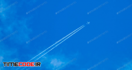 دانلود عکس استوک : رد هواپیما در آسمان The Plane Flies In The Sky