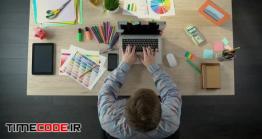 دانلود فوتیج تایم لپس کار کردن با کامپیوتر Blogger Advertising Goods On His Web Site