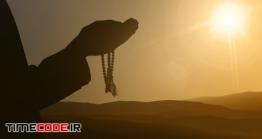 دانلود عکس ضد نور مرد مسلمان در حال دعا کردن  Silhouettes Of Muslim People Praying To God