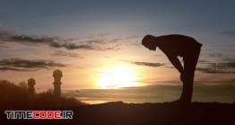دانلود عکس ضد نور مرد در حال نماز خواندن Silhouette Of Muslim Man In Praying Position